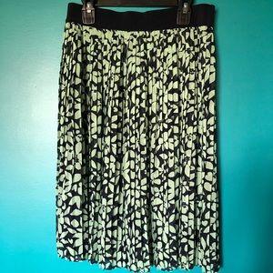 LOFT pleated skirt sz XS